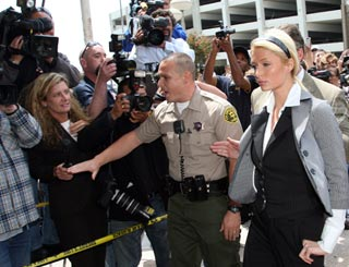 Paris Hilton leaves jail