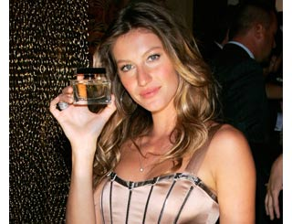 Gisele adds glamour to designer fragrance launch