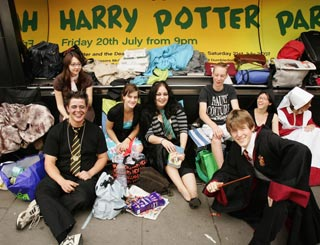 Harry Potter fans queue up for days to buy last book