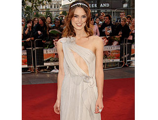 Keira dons daring dress for London premiere
