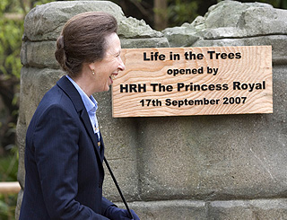 Princess Anne launches new gibbon environment