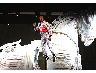 Race driver Lewis flies in to Istanbul theatre show