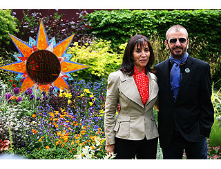 George Harrison's widow unveils floral tribute