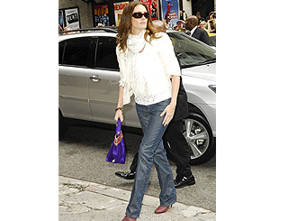 Julia Roberts arrives to record US chat show in NY
