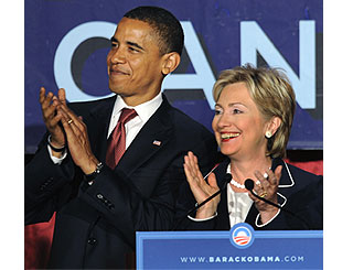 Hillary joins forces with Barack to win women voters