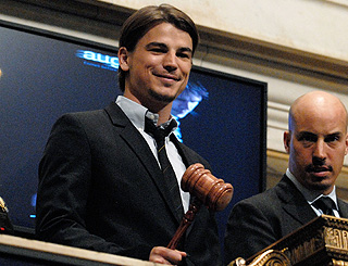 Josh Hartnett calls time on the day's trading