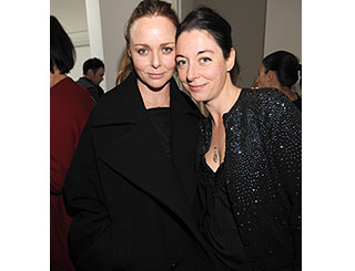McCartney sisters bond at arty party