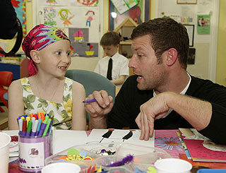 Dermot O'Leary launches cancer appeal on hospital visit