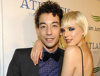 Agyness Deyn and Strokes fiancé call it quits