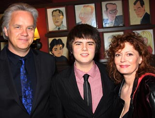 Family support Susan Sarandon at Broadway bash