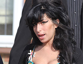 St Lucia-based Amy Winehouse misses home comforts