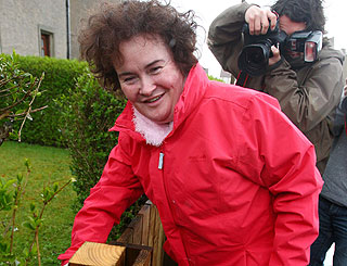 Susan Boyle reticent on costume-fitting trip ahead of semi final