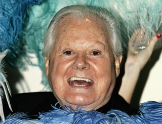 Danny La Rue dies at the age of 81