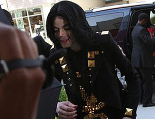 King of pop's night of fancy dress in Florida
