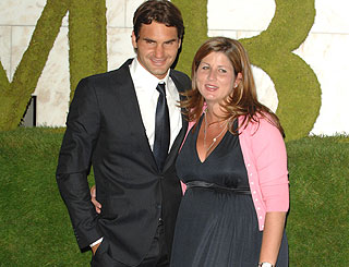 Tennis ace Roger Federer celebrates birth of twins girls