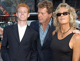 Farrah Fawcett leaves £3.65 million fortune to troubled son