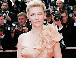 Cate Blanchett injured live on stage after fight scene goes wrong
