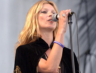 Kate Moss to sing for  Simon at music mogul's birthday bash