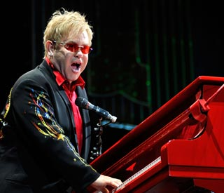 Elton John heads home after time in hospital