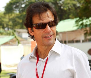 Jemima Khan checks in on a hospitalised Imran