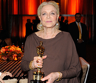 Veteran actress Lauren Bacall gets honourary Oscar