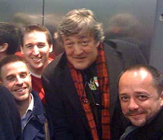 Keen blogger Stephen Fry gives up Twitter