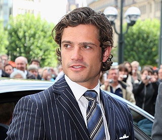 Swedish royals unhappy about  Prince Carl's new girl