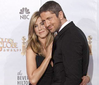 Jennifer Aniston and Gerard Butler seen 'making out'