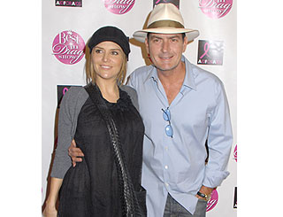 Charlie Sheen permitted to visit ill estranged wife