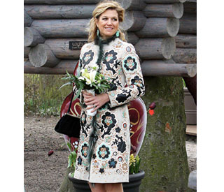 Princess Maxima chooses perfect outfit for floral show