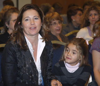 Princess Alexia takes daughter to charity fashion show