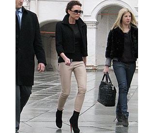 Victoria Beckham takes Posh frocks to Moscow