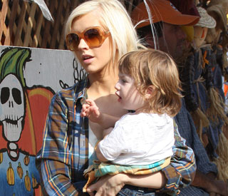 "Motherhood makes Christina Aguilera ""more sexual"""