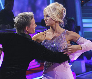 Pamela Anderson voted off 'Dancing with the Stars'