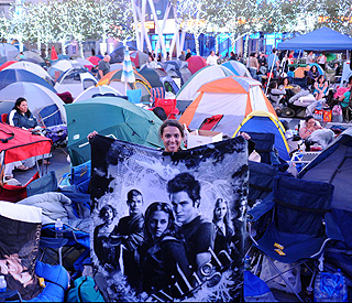 'Twilight' fans camp out ahead of 'Eclipse' premiere
