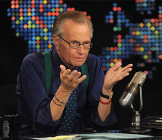 Larry King steps down from US chat show