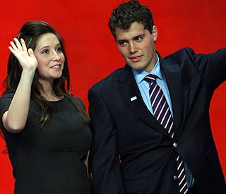 Sarah Palin's girl Bristol to wed controversial ex-fiancé