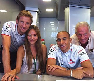 Jenson Button's romance with Jessica back on track