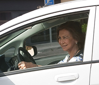 The green queen: Sofia takes electric car for a spin