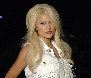 Paris Hilton facing £22m lawsuit over hair extensions