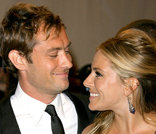 Jude Law and Sienna Miller buying home together