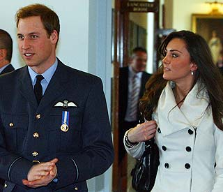 Palace clears up mystery of Kate and Wills' wedding