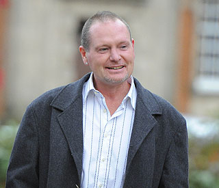 Troubled Paul Gascoigne relies on friends for support