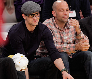 Justin Timberlake has eye on the ball at Lakers game