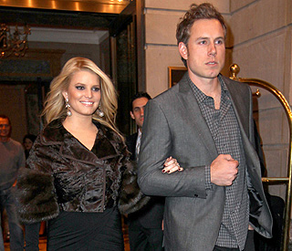 Jessica Simpson's fiancé hid engagement ring in shoe