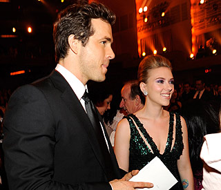 Scarlett Johansson and Ryan Reynolds end marriage
