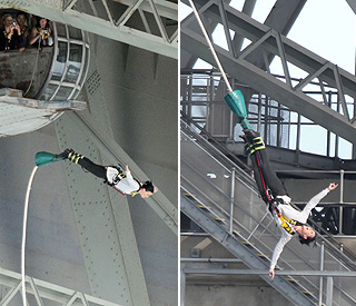 Katy Perry warms up for gig with bungee jump