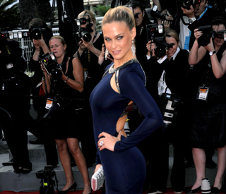 Bar Refaeli moving on from Leo in style