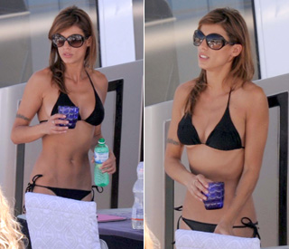 Bikini babe Elisabetta Canalis sizzles in Cannes