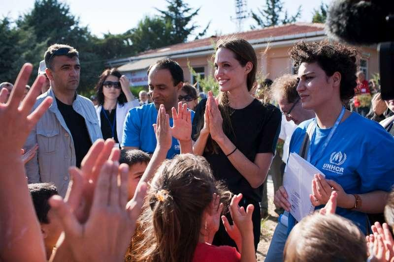 Angelina vists refugees in her new home on Malta